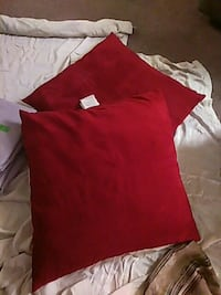 two red throw pillows Zion, 60099