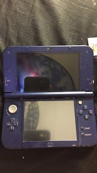 Nintendo 3ds with game cartridges Aubrey, 76227