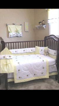 white and green wooden crib 2267 mi