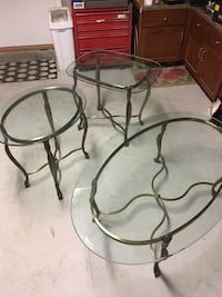Gorgeous Brass and glass cocktail and end tables like new! Make a reasonable offer! Toms River, 08753