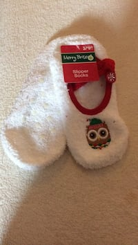 pair of white slipper socks 393 mi