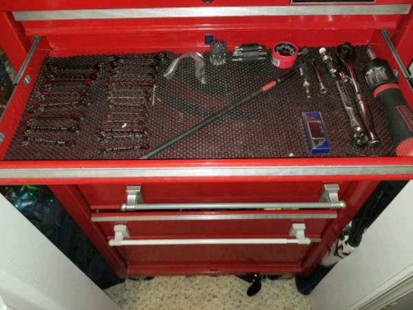 Craftman tool box with tools 6