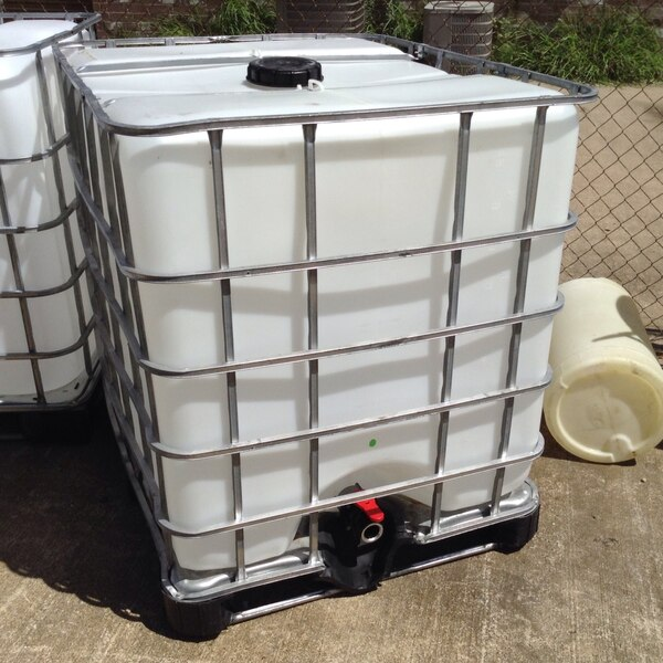IBC Tote  275 gallons  Food Grade  Cleaned