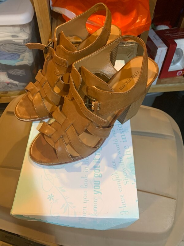 High heels size 10 pretty much brand new