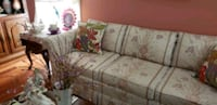 Haverty couch in living room..hardly ever used Fairfax Station, 22039