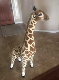 Melissa & Doug large stuffed giraffe! Scottsdale, 85255