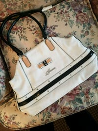 white and black leather crossbody bag Prince George, V2M