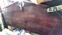 Old quenn headboard good condition Vale, 28168