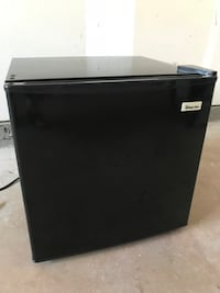 Magic Chef 1.7 cu ft Refrigerator Aldie, 20105