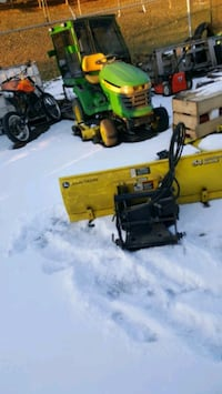 Hydraulic snow blade for compact tractor Vaughan