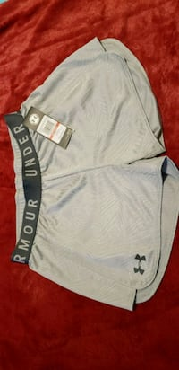 new womans xs-s with tags underarmour Edmonton, T5G 2T6