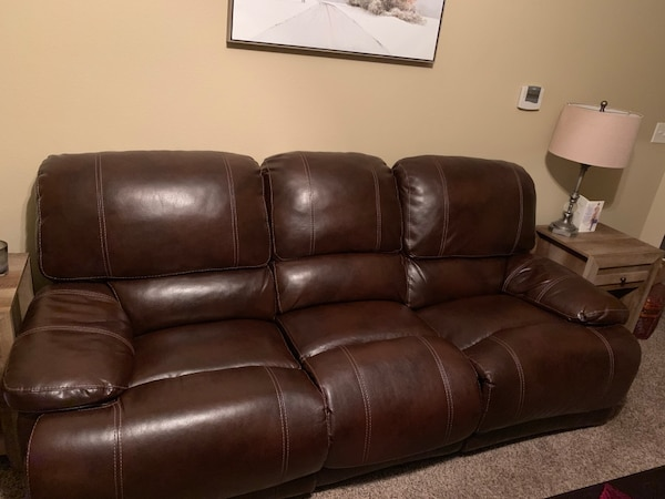 Magnificent Kittles Chocolate Brown Leather Couch Creativecarmelina Interior Chair Design Creativecarmelinacom