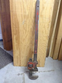 """36"""" pipe wrench Coquitlam, V3J 2R2"""