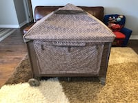 Eddie Bauer play pen easy to assemble and pack up and go