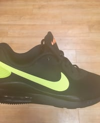 Nike Air Max size 9 Providence