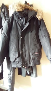GOOSEDOWN Jacket - Canada weather Gear Brampton