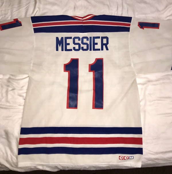 huge discount 21fc1 27341 Vintage Throwback CCM New York Rangers Mark Messier Home Jersey Men's Size  Med