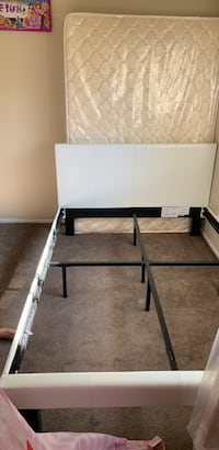 full size bed frame and matress Palmdale, 93550