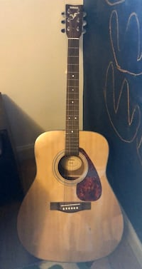Yamaha Acoustic Guitar