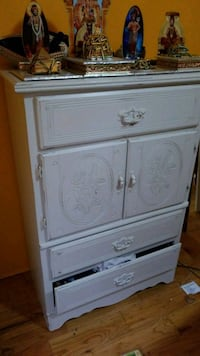 white wooden 3-drawer chest Vancouver, V6J 1P6