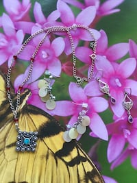 Love Jewelry / Assorted Silver jewelry and more / necklace $25 / earring silver $20 / fashion erring $15 Alexandria, 22311