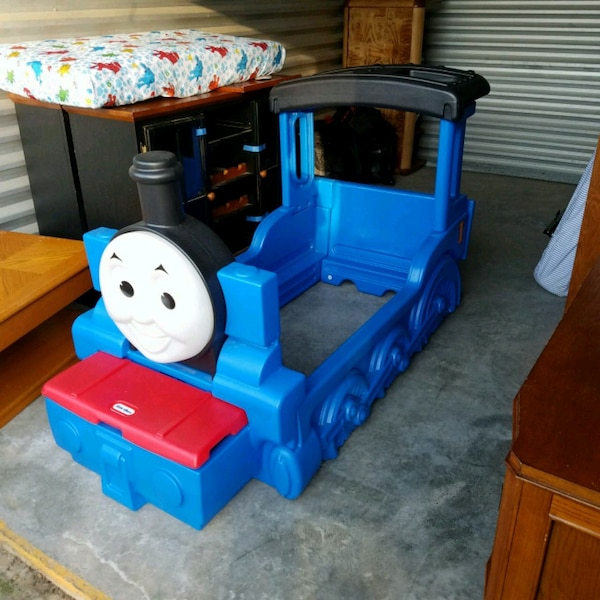 huge discount a9f48 e15b3 toddler's Little Tikes Thomas the train bed frame