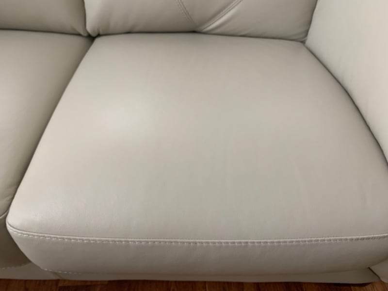 Leather Loveseat 9fc6acb4-585b-469b-8488-e1232aee89f4