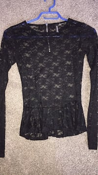 Ladies small lace peplum top Vernon, V1T 5C4