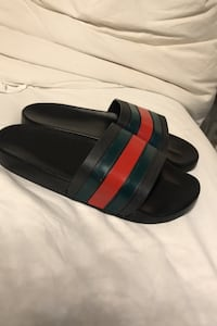 GUCCI slides UA I wear size 9 women's- these are size 8 Vaughan