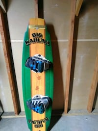 green and white snowboard with bindings Arroyo Grande, 93420