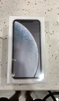 White or black iPhone XR 64GB Brampton, L6Y 6G8