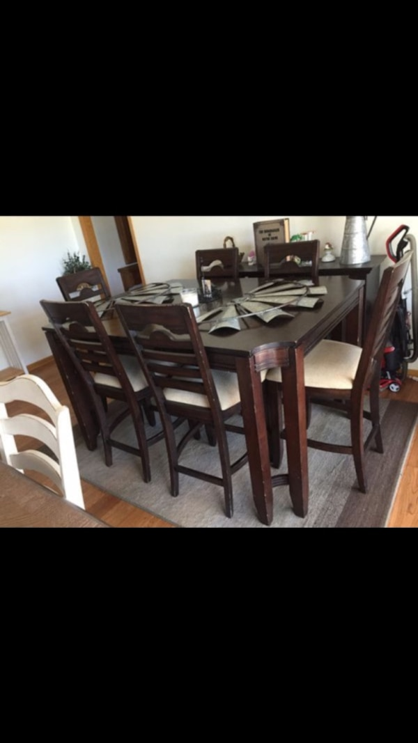 Wicks furniture espresso color 6 seat dining table for sale *need gone asap*