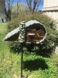 gray and brown wooden birdhouse Hendersonville, 37075