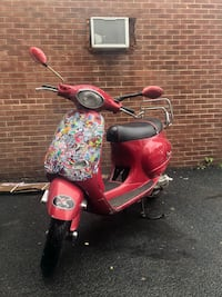 50cc Vespa et2 scooter North Brentwood, 20722