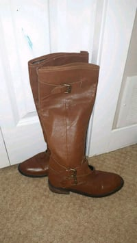 Leather boots Surrey, V3S 3B7