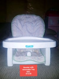 baby's white and pink Graco bassinet Calgary, T3J 4K9