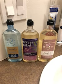 Bath & Body Works body wash. Lavender, eucalyptus tea, vanilla & patchouli. New $5 each. Burnaby, V3N 0G5