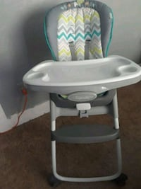baby's white and blue high chair Huntington Park, 90255