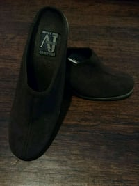 WOMEN'S SIZE 8 BROWN SUEDE SLIP-ON WEDGE SHOES!