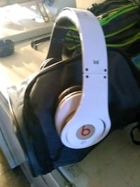 white Beats by Dr Newberg, 97132