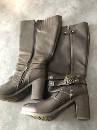 Size 11 wide calf boots barely worn St Albert, T8N 6J3
