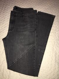 Gray Stacked Skinny Jeans Size 32 Arlington, 22207