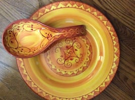 Pier 1  Plate (Karistan) and Spoon Rest  - New