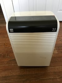 Kenmore 35 pint dehumidifier-like brand new Fairfax, 22031
