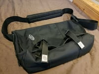 Timbuk2 small messenger bag like new Courtice, L1E 0C4