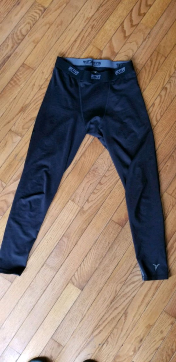 Old navy active leggings  66384aaa-ee71-47c0-8d81-4bbf24cf8e5d