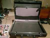 black and gray metal tool chest Wilmington, 28412
