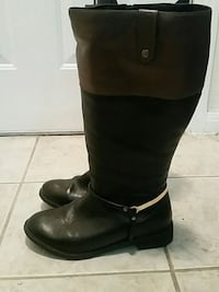 pair of black leather boots Coppell, 75099