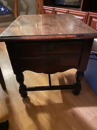 Side table Nunnelly, 37137