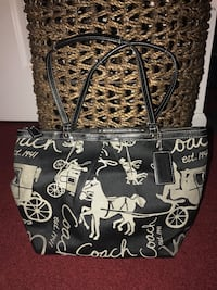 Coach purse with matching wallet  Hope Mills, 28348